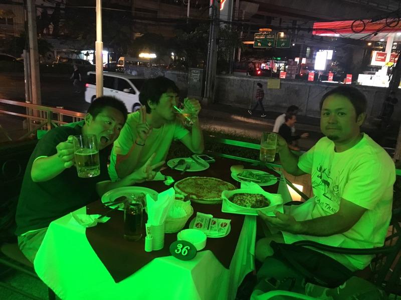 タイのイタリアンで飲むアイランドクルーズ3人